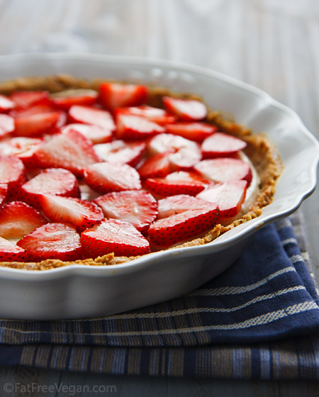 no-bake-vegan-strawberry-pie