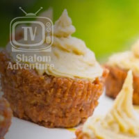 fully-raw-carrot-cupcakes